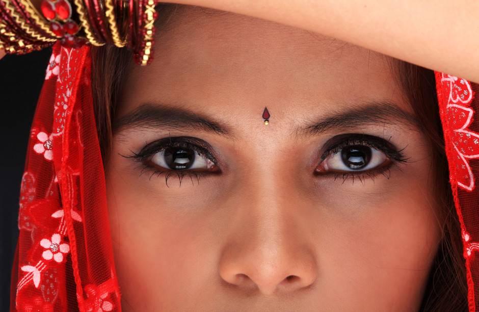 низкая популярность средств для макияжа