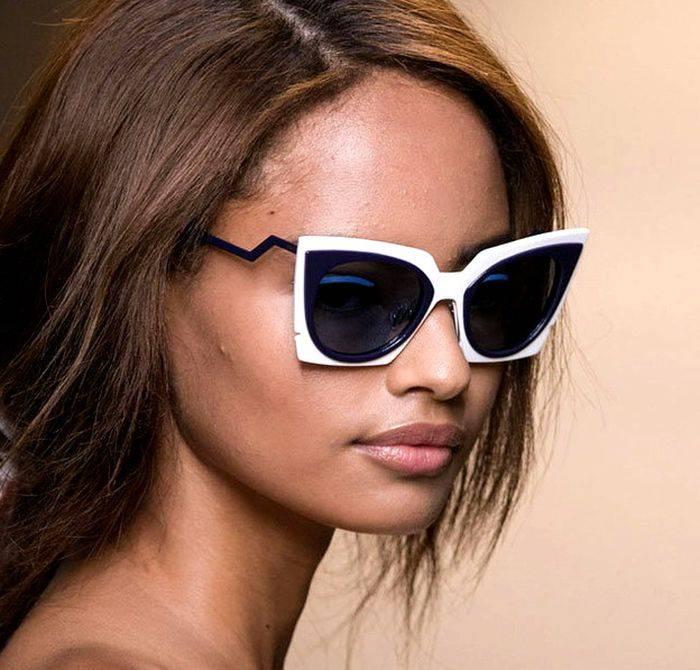 Модные очки - модный пластик