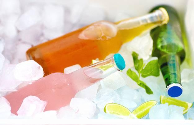 Как быстро охладить напитки