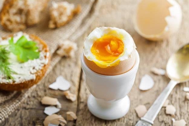 Как почистить яйцо