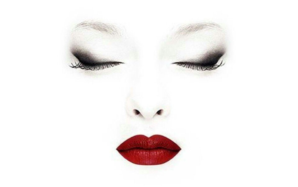 Идеальный макияж губная помада