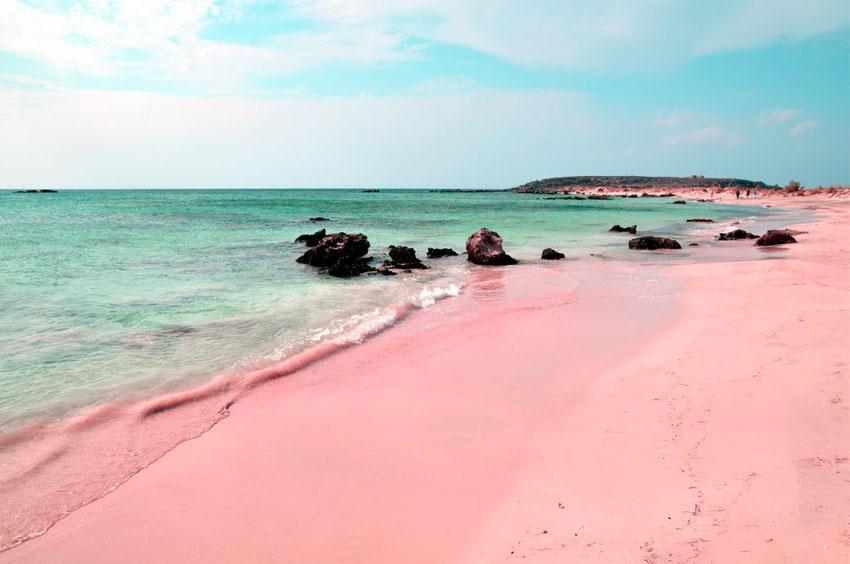 Розовый пляж Багамы