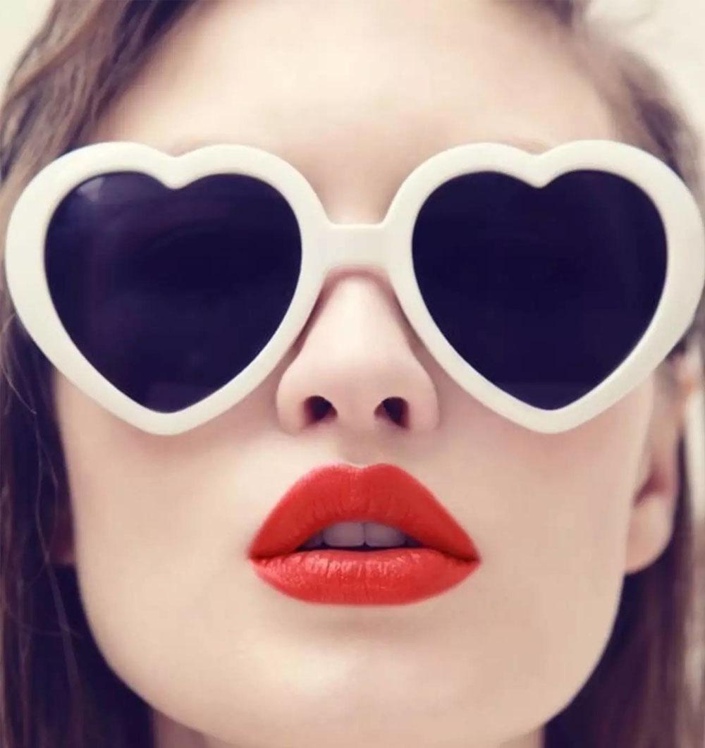 минерал, стильные картинки с губами тех, кто успешно