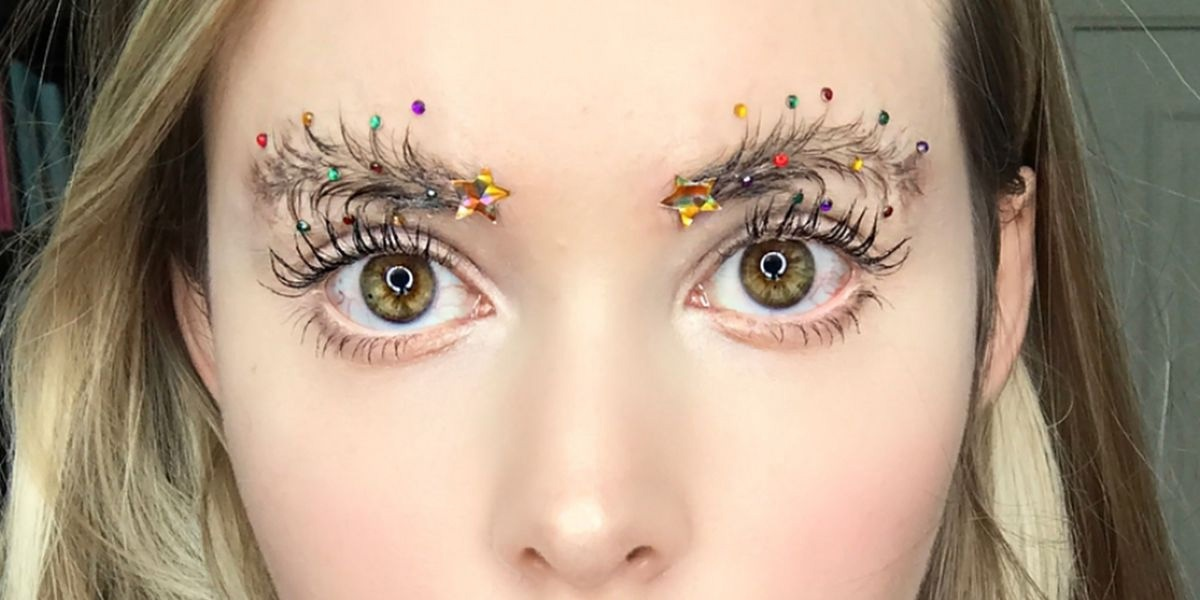 Новогодний тренд - брови-ёлки