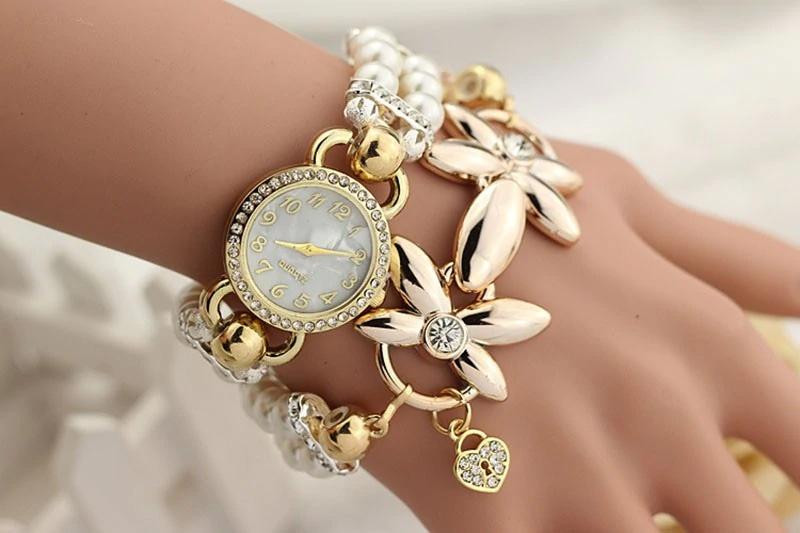 Часы с жемчужным браслетом