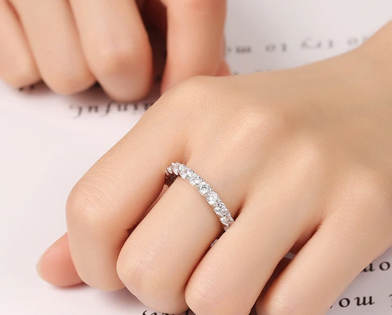 Кольцо с камнями Umode