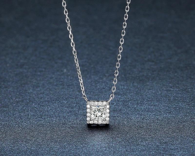 Серебряная цепочка с подвеской Umode