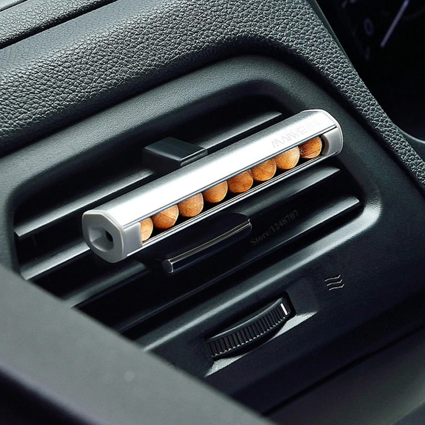 Автомобильный ароматизатор от Xiaomi.
