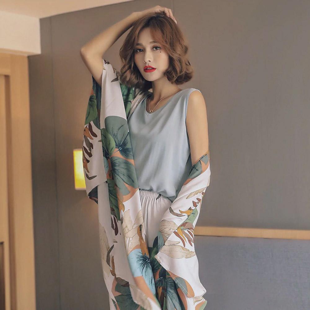 Женская пижама с цветочным принтом