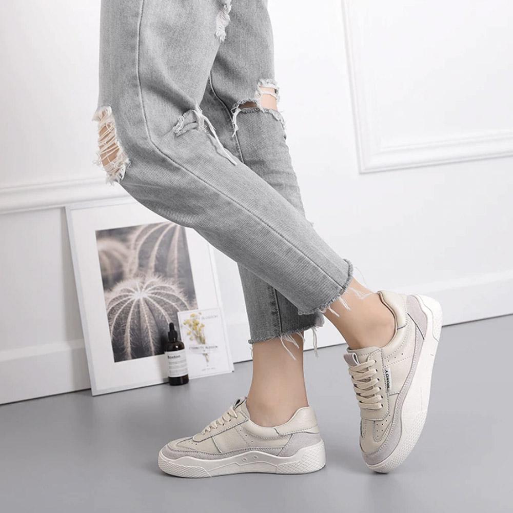 Кроссовки женские с плоской подошвой