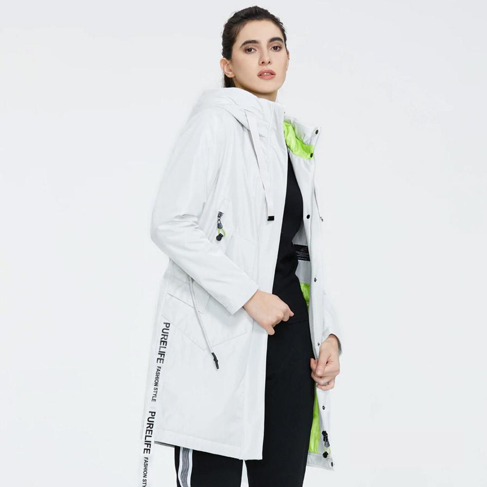 Женская куртка Айс Бир белая